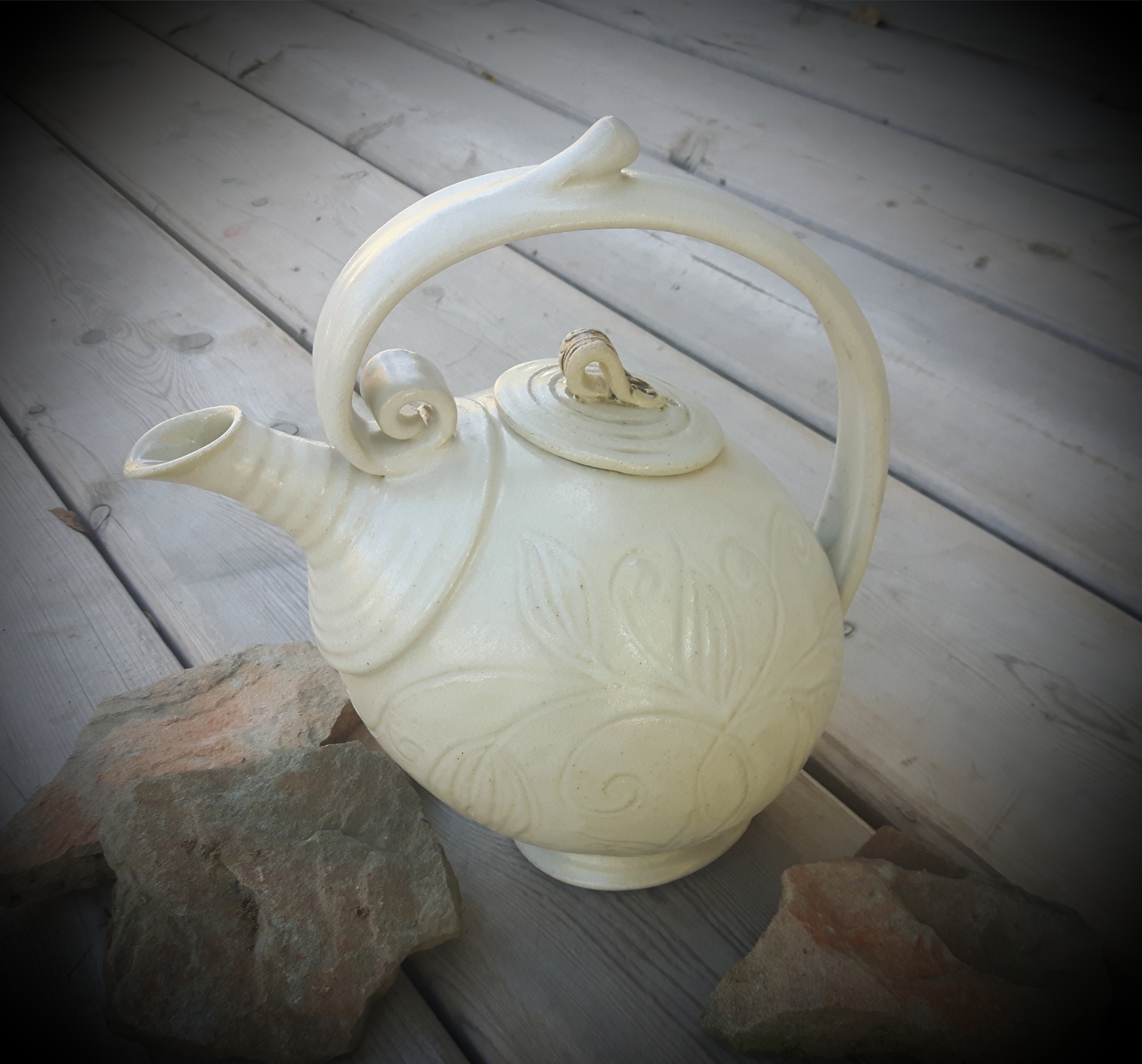 Creamy Teapot ~ Carved Detail